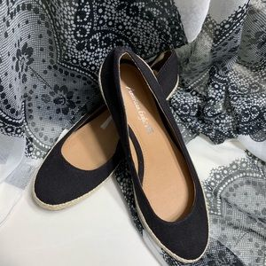 🆕 American Eagle Black Fabric Espadrilles- Size 9
